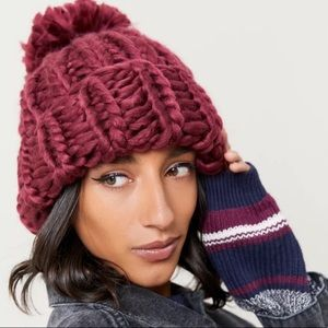 Urban Outfitters Super-Chunky Knit Pompom Beanie